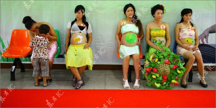 http://mainfun.ru/Images2/aaronfeaver/bodiartnaber/pregnant_women_painted_24.jpg