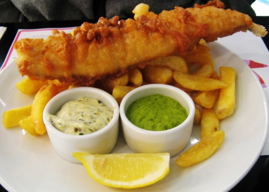 http://englishgid.ru/wp-content/uploads/2014/02/Fish_chips_and_mushy_peas.jpg