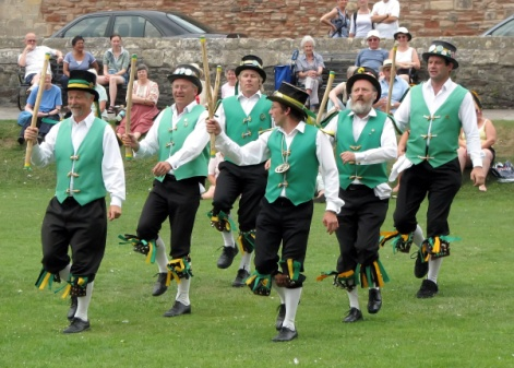 http://upload.wikimedia.org/wikipedia/commons/2/29/Morris.dancing.at.wells.arp.jpg
