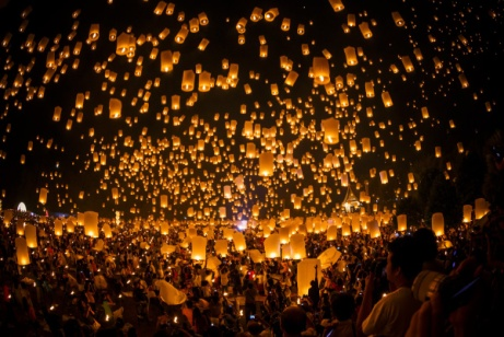 http://mixstuff.ru/wp-content/uploads/2014/02/thousands-of-lanterns-float-to-the-night-sky-at-the-thai-festival-loi-krathong-which-takes-place-during-a-full-moon-in-november.jpg