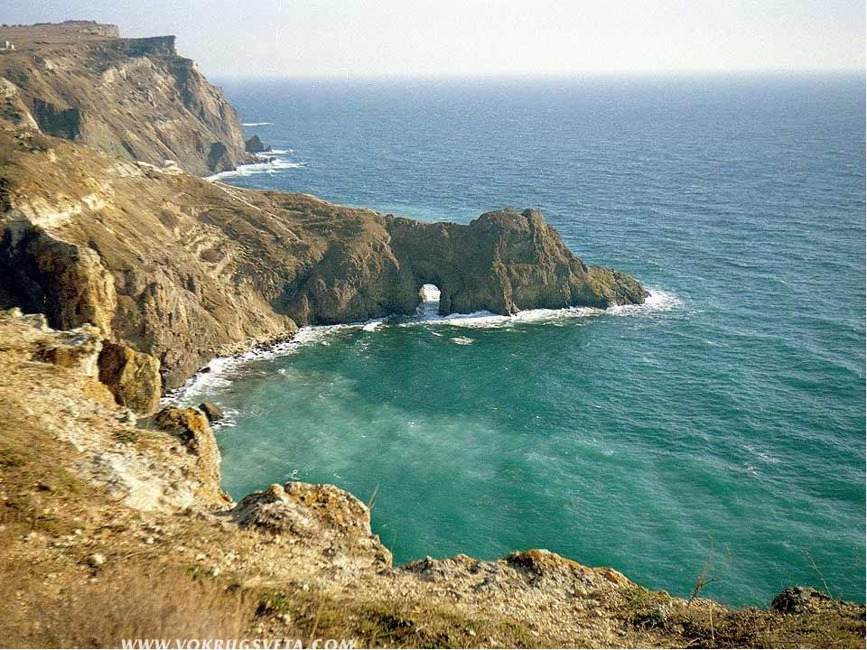 Природа Крыма Площадь около 27 тыс. кв. км. полуостров, Крым соединяется с су...