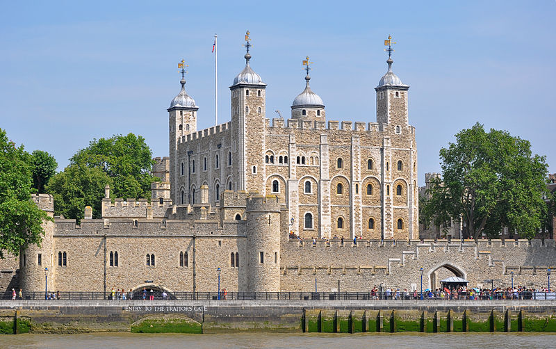 C:\Users\пользователь\Desktop\800px-Tower_of_London_viewed_from_the_River_Thames.jpg