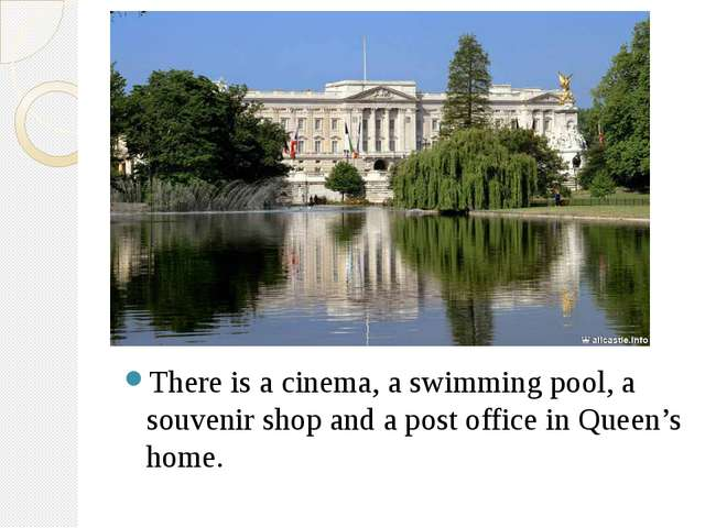 There is a cinema, a swimming pool, a souvenir shop and a post office in Que...