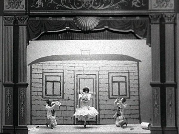 http://kinoprobafest.com/assets/images/KP7/shiryaev-puppets.jpg