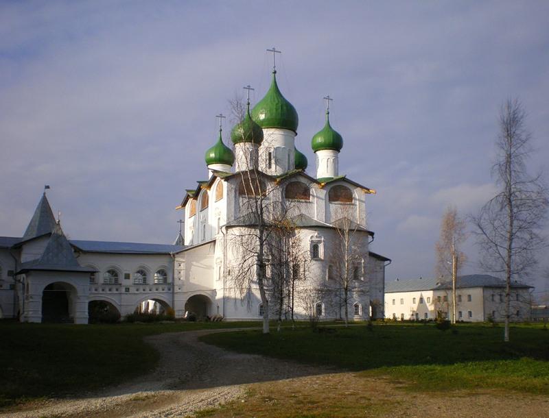 monastyri_mira: Никольский собор Николо-Вяжищского монастыря в Новгороде.