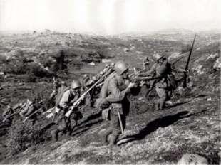 Первые месяцы войны были неимоверно тяжелы: советские войска несли большие п