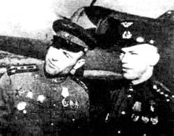 И.Н. Кожедуб справа