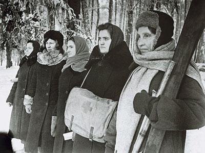 В оккупированном районе Подмосковья. Женщины-партизанки