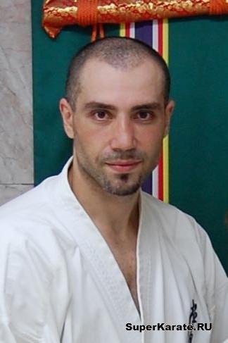 http://www.bkf-karate.com/images/custom/1278703308_dsc_2846.1.jpg