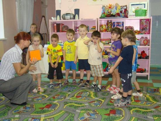 D:\детский сад\открытое занятие в средней гр\DSC00034.JPG