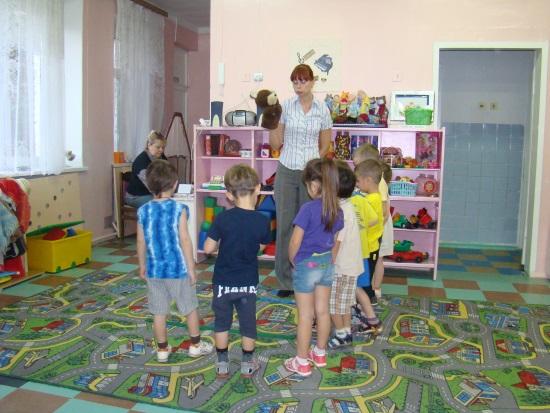 D:\детский сад\открытое занятие в средней гр\DSC00038.JPG