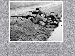 4 ноября 1943 года получил повестку. В январе 1944 года попал в Красноярск,