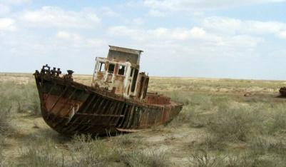 http://www.cawater-info.net/all_about_water/wp-content/uploads/2012/05/aralskaya-ekologicheskaya-katastrofa01.jpg