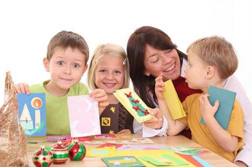 Подарки дети делают