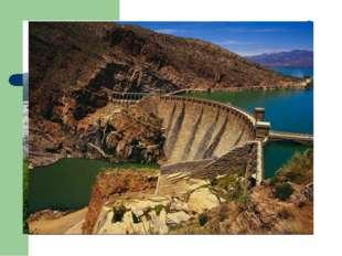 Гидроэлектростанции стали строить лишь в XIX веке. В России одна из первых ГЭ