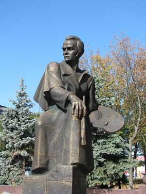 http://museumshevchenko.org.ua/flash-point/files/web-site/statti/165_Pamjatnik_u_Prilukah_2010.jpg