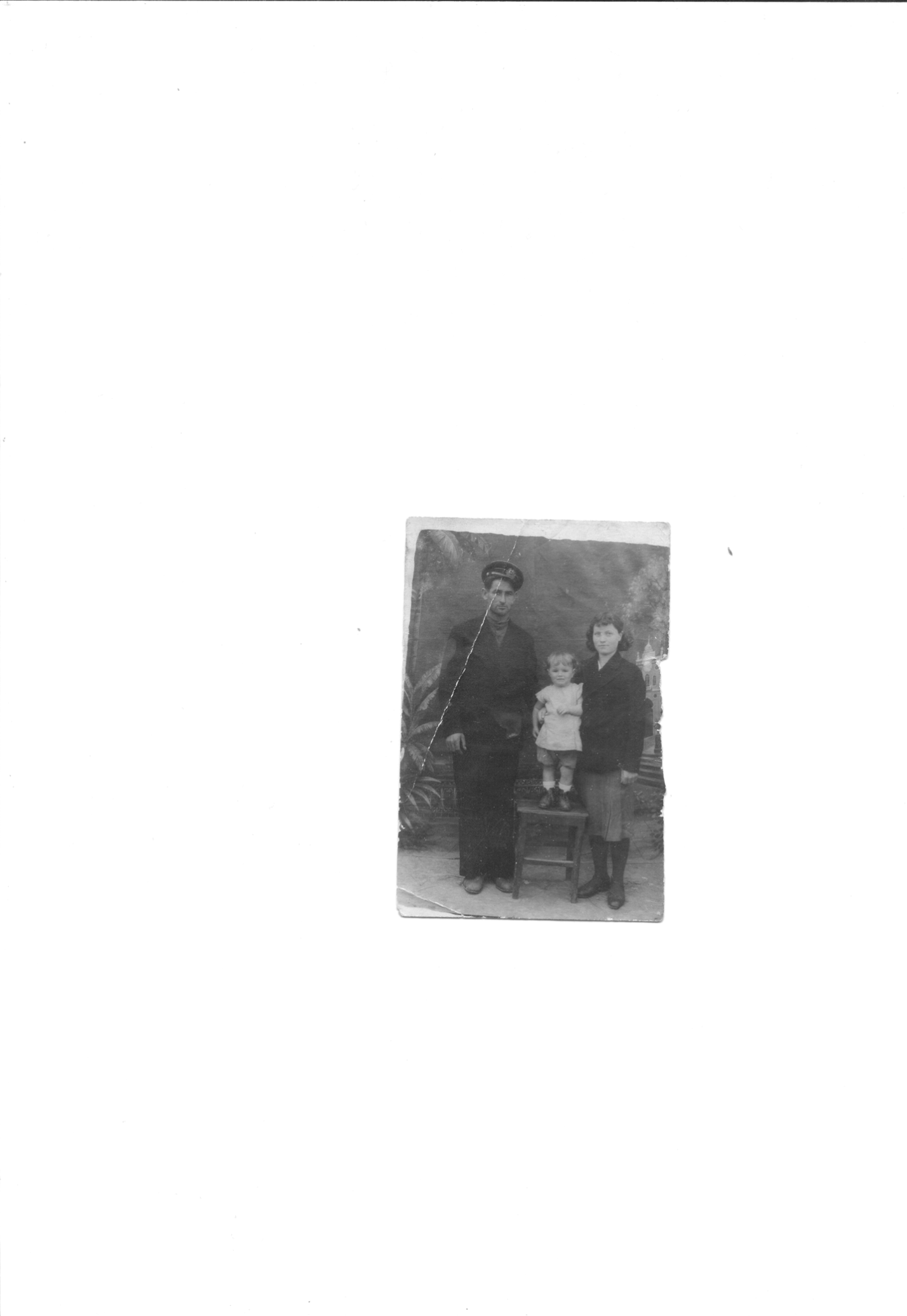 C:\Documents and Settings\Валентина Григорьевн\Мои документы\Семья нир\фото нип семья н0007.tif