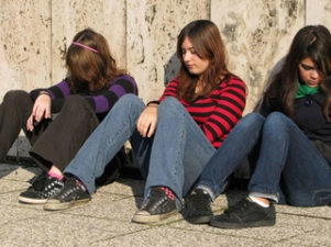 Основная примета употребления наркотиков - подросток начинает пропускать уроки -
