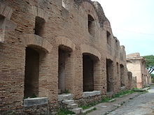 http://upload.wikimedia.org/wikipedia/commons/thumb/9/9c/OstianInsula.JPG/220px-OstianInsula.JPG