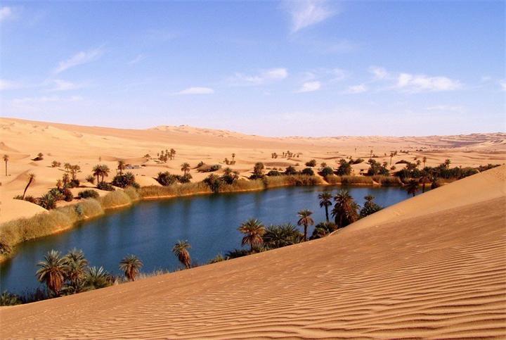 C:\Users\zainulina.PKU\Documents\2014-2015\Discussion club\иллюстрации\Zhivopisnyy-oazis-Ubari-v-pustyne-Sahara.jpg