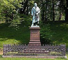 https://upload.wikimedia.org/wikipedia/commons/thumb/4/4f/Braunschweig_Brunswick_Gauss-Denkmal_komplett_%282006%29.JPG/220px-Braunschweig_Brunswick_Gauss-Denkmal_komplett_%282006%29.JPG