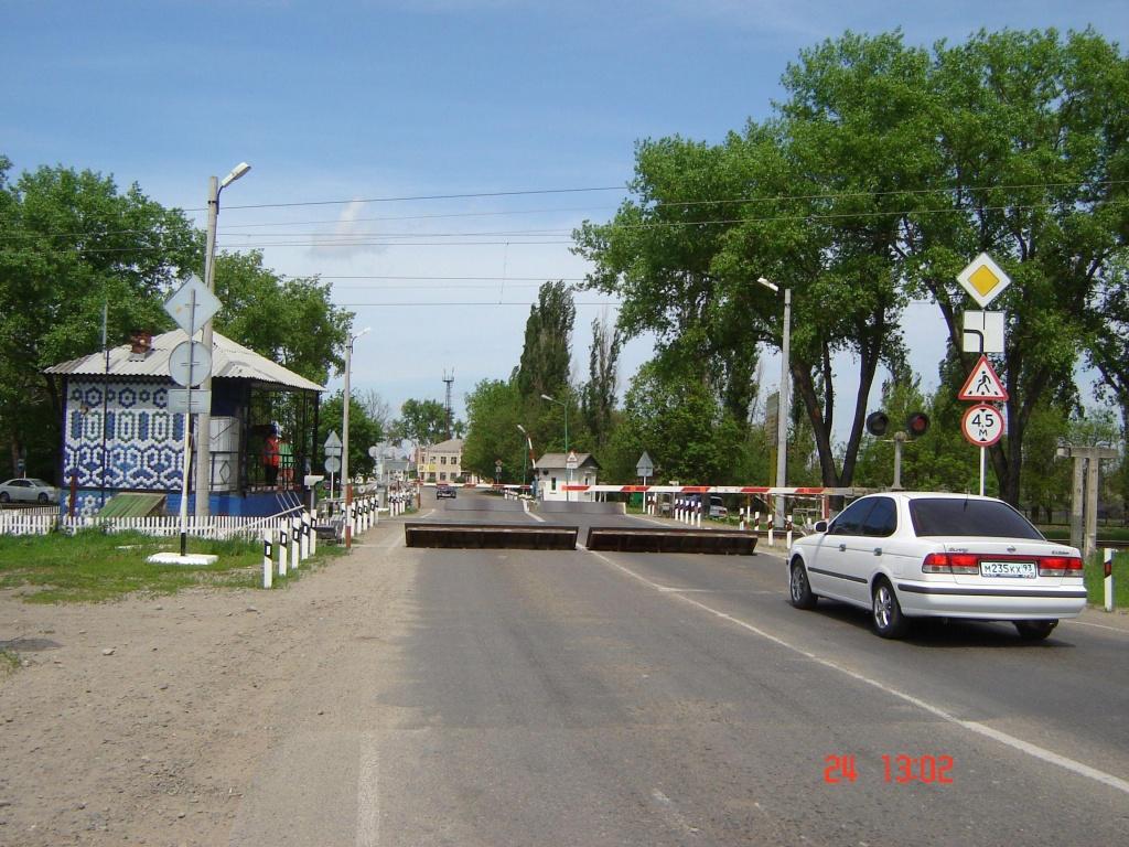 Штрафы за проезд железнодорожного переезда - проезд на запрещающий сигнал, остановку, обгон, выезд, статья 12.10