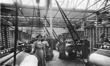Один из цехов фабрики Шорыгиных. 1912-1914 года