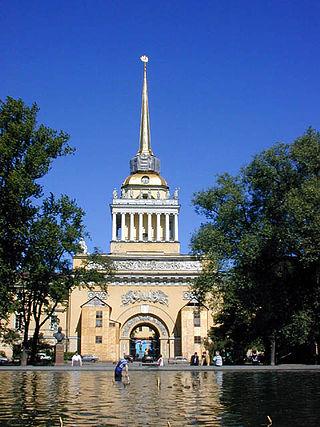 Кораблик на шпиле Адмиралтейства — один из символов Санкт-Петербурга