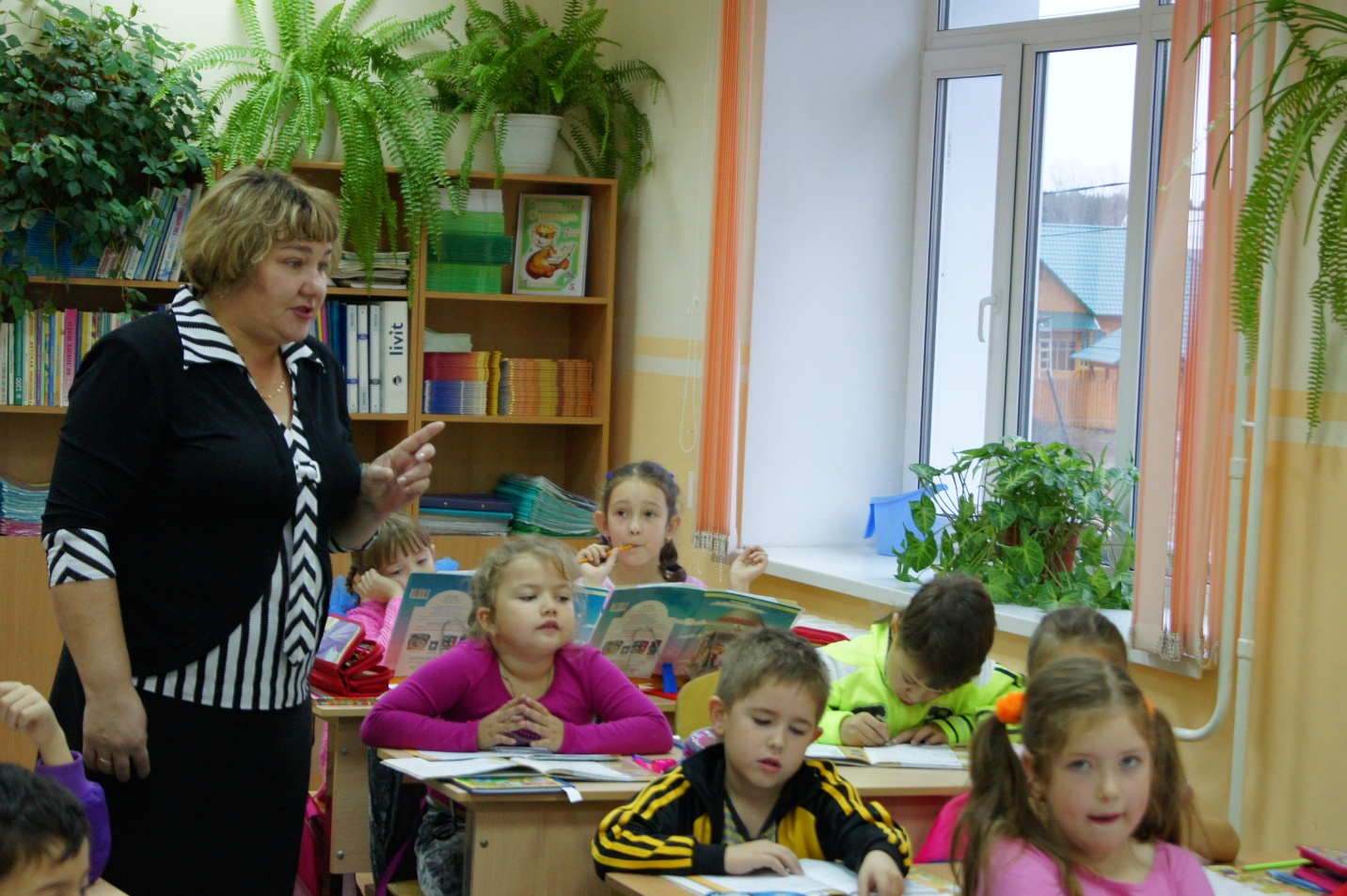 K:\фотографии\школьные\посвящение в 1 класс 2010\первоклашки\DSC00038.JPG