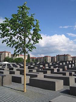 C:\Users\Ирина\Desktop\холокост\мемориал\250px-Holocaust_memorial_tree.jpg