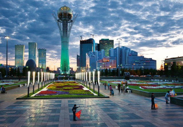 http://upload.wikimedia.org/wikipedia/kk/8/8a/Astana_national_geographic2011_2.jpg