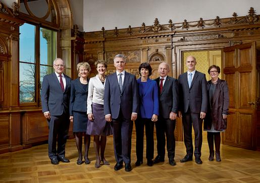По традиции в новом 2014 году правительство Швейцарии получает нового президента, что запечатлевается на новой официальной фотографии, которую можно скачать на нашем сайте в конце статьи. Приоритеты на новый год звучат так: «Молодежь, Работа и Открытость».