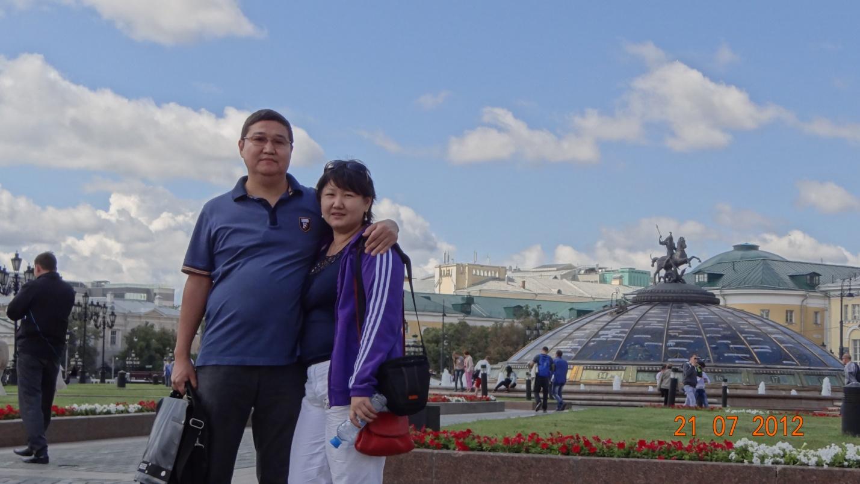 E:\фото-семья\2012 год\лето москва 2012\DSC00264.JPG