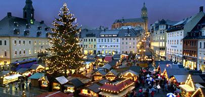 Рождественская ярмарка в одном из городов Саксонии, Германия