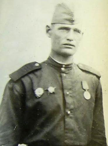 Записки Бритого Противопехотного Ёжика - Алёша умер.