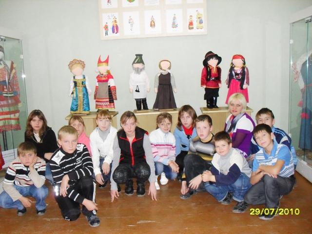 E:\папка-школа\кл.р. 5 кл\фото 5 класс\поездка в музей\SDC11148.JPG