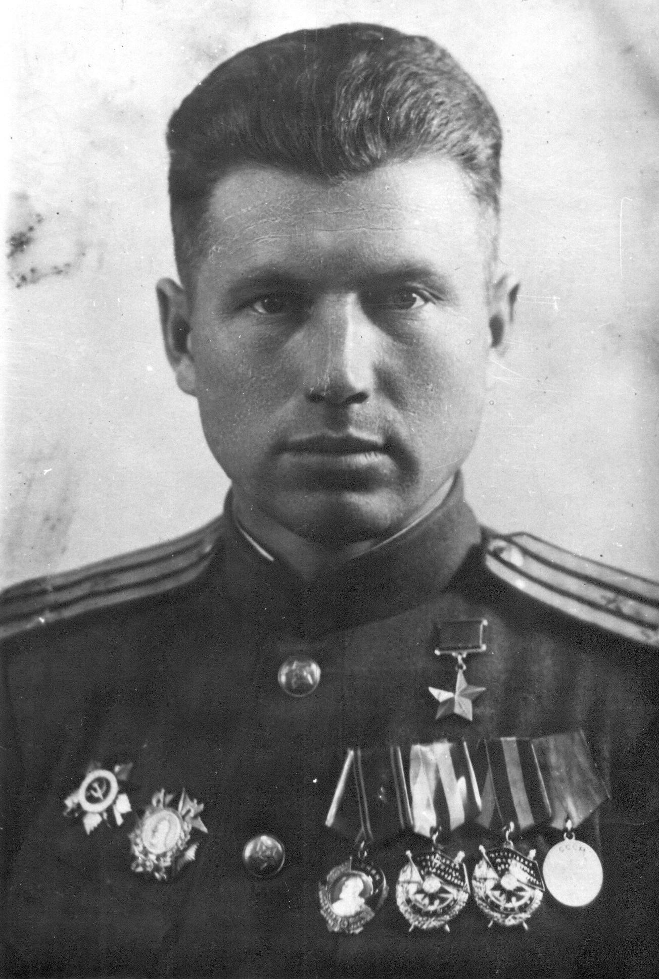 D:\ЕГЛ и Музейное дело\о музее и для музея\герой левченко.jpg