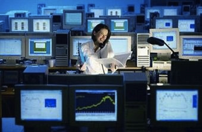 Компьютер, который собрали на заводе из микросхем, проводов, плат и - Картинка 17136/8