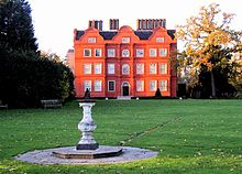http://upload.wikimedia.org/wikipedia/commons/thumb/b/bd/Kew_Palace.jpg/220px-Kew_Palace.jpg