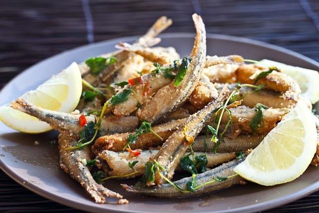 http://steamykitchen.com/wp-content/uploads/2011/05/fried-smelt-recipe-8592.jpg