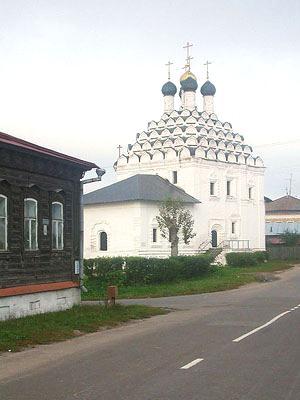 Церковь Николая Чудотворца на Посаде (Коломна) — Пять ярусов кокошников полностью покрывают своды снаружи.