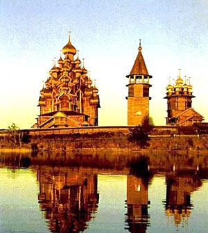 Кижский погост — старинное русское поселение на одном из островов Онежского озера.