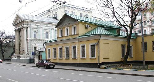 Дом с мезонином. Москва, Пятницкая улица, первая половина XIX века