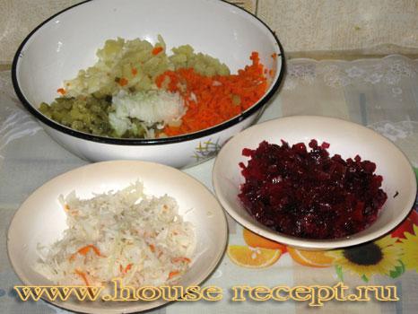 Нарезанные овощи для винегрета