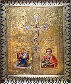 Икона Божией Матери «Испанская» и великомученика Пантелеимона, хранящаяся в саратовском Свято-Духовском кафедральном соборе