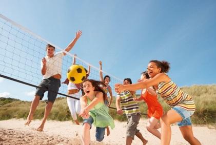 C:\Users\1\Desktop\infourok\familienreisen-teens-volleyball-spass_02.jpg