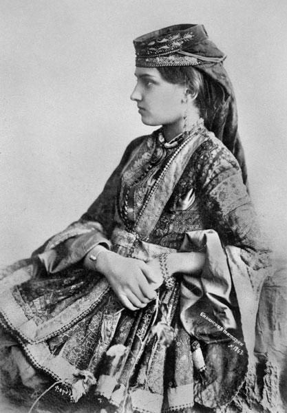 Azeri_Female_from_Baku_1897.jpg