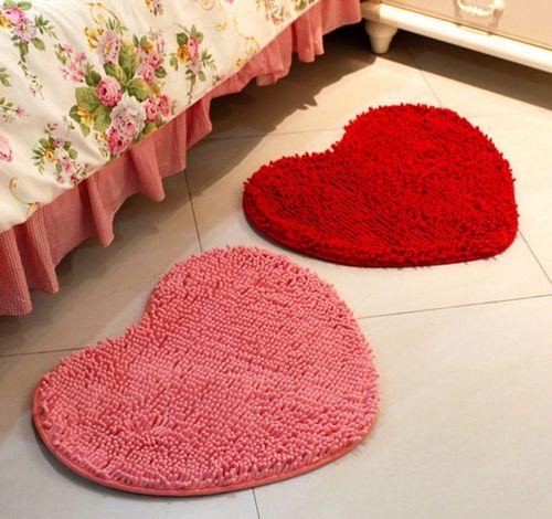 Прикроватные коврики для женской спальни в виде сердца